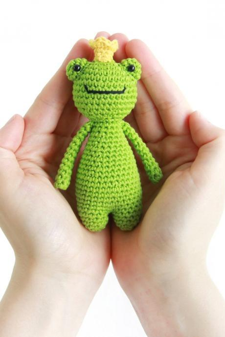 Mini Frog Crochet Amigurumi Pattern
