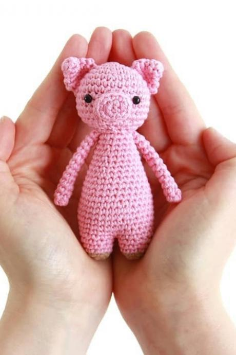 Mini Pig Crochet Amigurumi Pattern